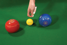 Henselite_Toucha_Lawn_Bowls_Marker_using